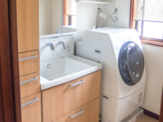 洗面リフォーム 収納量は減らさずコンパクトで使いやすい洗面スペース