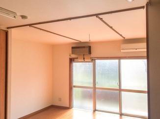 内装リフォーム 天井のカーテンレールはご希望の位置に短時間で設置