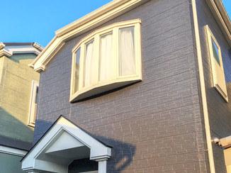 外壁・屋根リフォーム オシャレな色の外壁塗装。コーキングも打ち替え防水性UP!