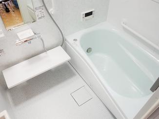 バスルームリフォーム ヒヤッと感を解消。暖かさと省エネも意識した快適なバスルーム