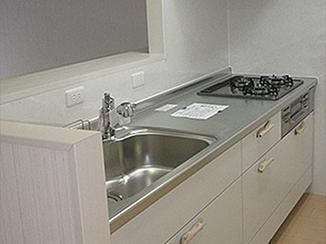 キッチンリフォーム 明るく開放感のある空間へ