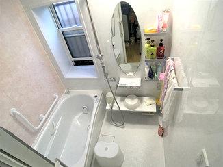 バスルームリフォーム 断熱窓で性能もアップし、見違えるほど綺麗になった浴室
