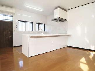 戸建フルリフォーム 中古物件を明るく使いやすい最新スタイルの住まいへフルリフォーム