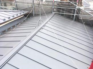 外壁・屋根リフォーム 断熱材を利用し機能性もグレードアップさせた屋根