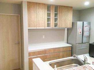 キッチンリフォーム カップボードを工夫し、より生活にフィットしたキッチン空間へ