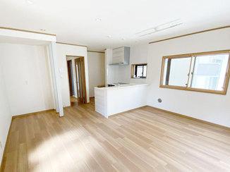 マンションリフォーム 水廻りを一新、開放感のあるLDKと白を基調とした内装で明るいお部屋に