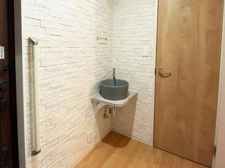 洗面リフォーム 外から帰った時にすぐに手が洗える、便利でおしゃれな手洗い器