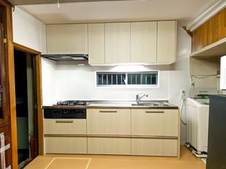 キッチンリフォーム お部屋を明るくし、使い勝手も向上したキッチン